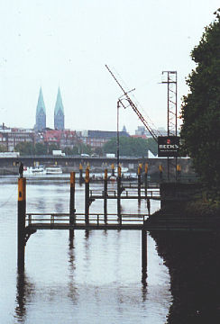 Bremen City, between Summer and Fall (archive)