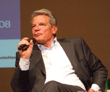 Joachim Gauck, visiting Northrhine-Westphalia in September 2008 (published by Wikimedia Commons under a GNU Free Documentation License)